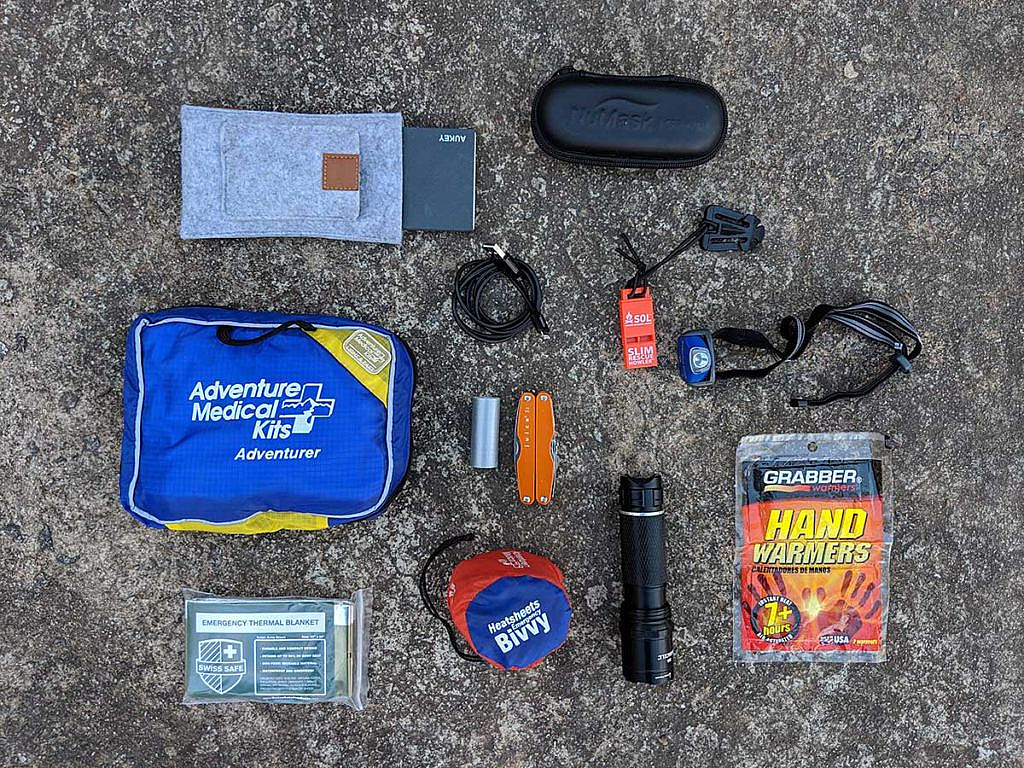 Emergency supplies to keep in your car kit.